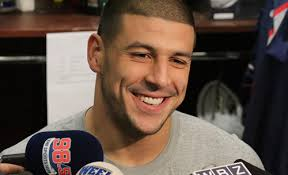 Patriots' Hernandez Subject of Arrest Warrant
